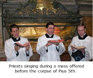 Mass before corpse of Pius 5th